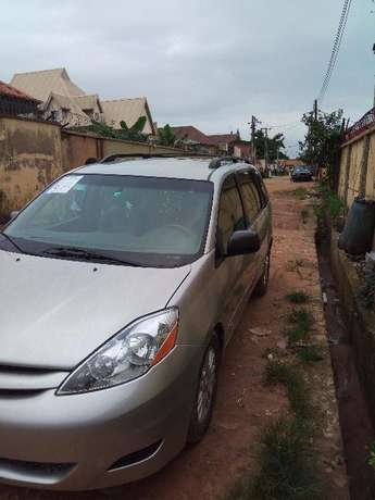 Toks Sienna LE 2008 Direct Lagos Mainland - image 2