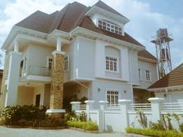 Luxury finished 7 bedroom fully detached + swimming pool for sale