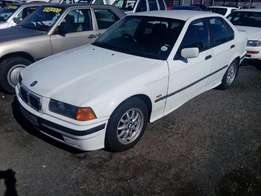BMW 318is E36 manual 1997 on month end special sale R27000
