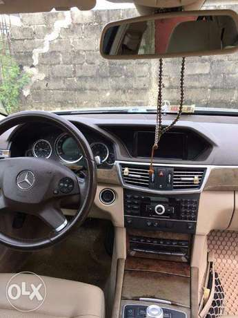 Mercedes-benz very clean and nothing to be fix Lekki - image 5