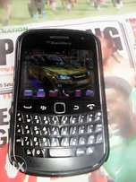 blackberry bold5 with very strong battery