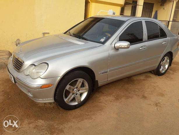 Clean C-200 for Grabs Abuja - image 1