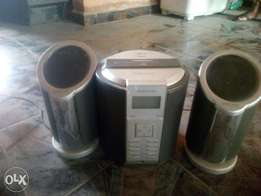 Speaker with radio & cd player