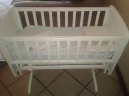 Mothercare deluxe wooden gliding crib