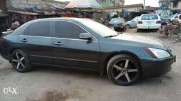 Very clean well pimped 05 Honda accord