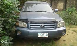 Neatly used 3 seater Toyota Highlander for sale