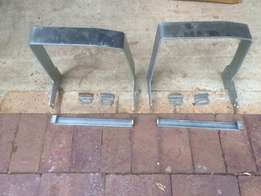 2 DTS-500 security brackets
