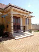2bedrooms and dining room in mutungu mbuya