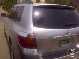 Smooth running 2009 Toyota Highlander up for grabs!