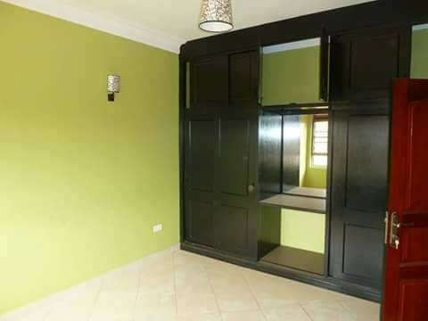 Durable 3 bedroom duplex to let in Najeera at 800,000ugx per month Kampala - image 2