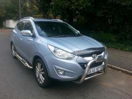 2013 hyundia ix35 2.0 very clean with full service history and spare k