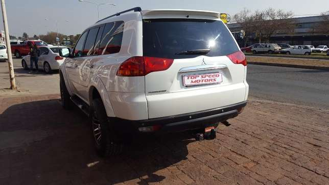 Mitsubishi Pajero 3.2 DID Sort 4X4 A/T Vereeniging - image 4