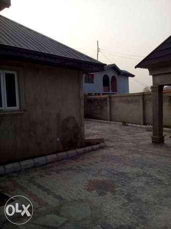 Newly built 2 bedrooms apartment for rent in Elebu, off akala express Ibadan South West - image 2