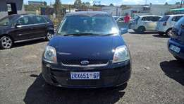 Ford fiesta 1.6i 5-door ambiente, Cloth Upholstery, Hatch Back,