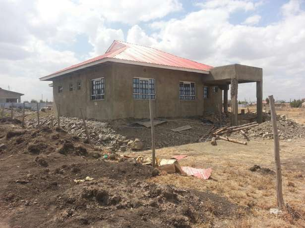 A three bedroom bungalow built in 100x50 plot. Electricity and water Nairobi CBD - image 6