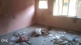 a decent 3bed at agboyi st off adelabu, surulere. 700k 1yr rent