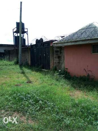 3 bedroom decked bungalow on a full plot of Land in Ipaja Command Ipaja - image 1