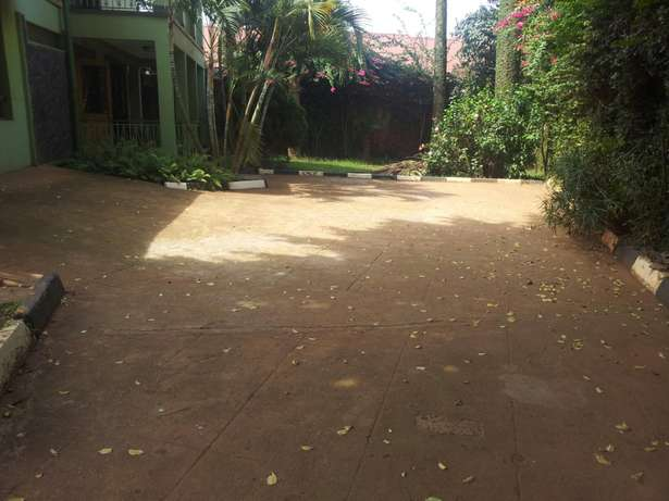 4 bedrooms bungalow for rent Bukoto Kampala - image 3
