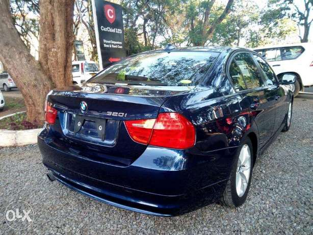 S I-Drive Sunroof Fully Loaded BMW 320i sports Nice color Nairobi CBD - image 1