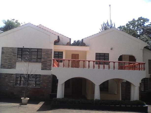 A Beautiful 5 Bedroom double storey house to let in Runda Hurlingham - image 2