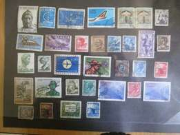 32 stamps of Italy adv1283
