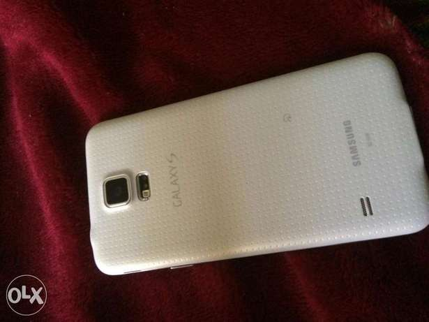 Samsung galaxy S5 for sale Uvwie - image 2
