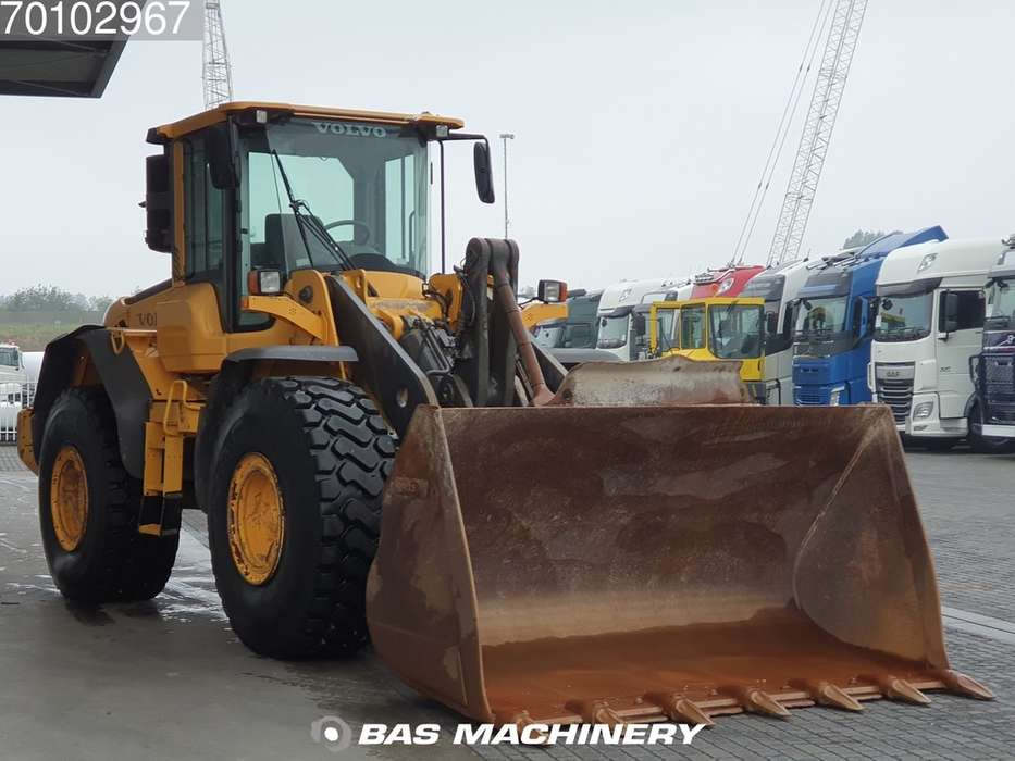 Volvo L120F Good condition - good tyres - 2012 - image 3