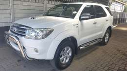 Toyota Fortuner 3.0d-4d R/b 4x4 (647)