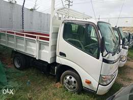 Toyota Dyna Double n Single tyre