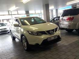 Pre owned 2015 Nissan Qushqai 2.5