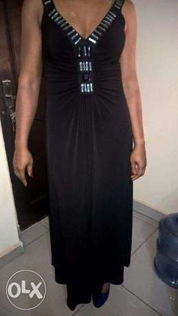 Captivating Black WALLIS Gown, adorned with FRONTAL Stones. SIZE 14 Wuse 2 - image 3