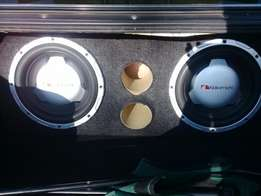 2xsubs and amp for sale in excellent condition box