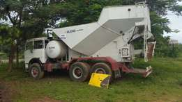 Concrete mixer blend mobile truck for sale and other construction mac