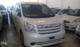 toyota noah 2009 model on sale