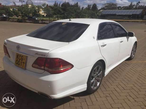 Toyota crown athlete (trade in accepted) Nairobi West - image 3