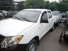 One year used toyota hilux 010 tincan cleared buy n travel