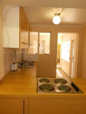 Neat & spacious rooms available in ideal Southernwood location Southernwood - image 4