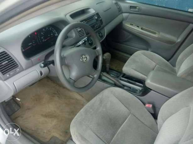 First body Camry 03 selling at 900k Uyo - image 3