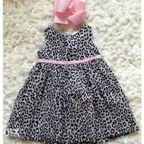 Carters 6-12 months gown