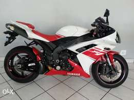 Yamaha R-1 Red & White '''