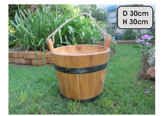 wooden water bucket Northcliff - image 1