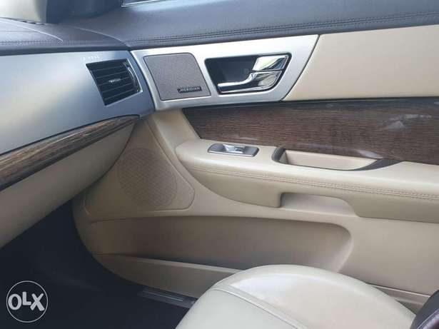 Jaguar xf premium luxury. 2 tone interior color 6 أكتوبر -  5