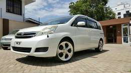 Toyota ISIS white 2009 fully loaded