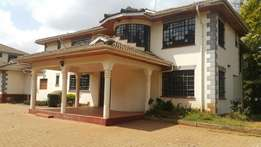 Selling a 5 bedroom stand alone house in Runda