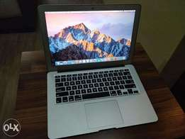 "MacBook Air 13.3"" Core i5, 4GB, 128GB. Great Condition (Mac OS Sierra)"