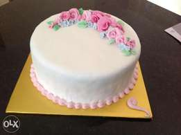 Affordable birthday, weeding and queen cakes.