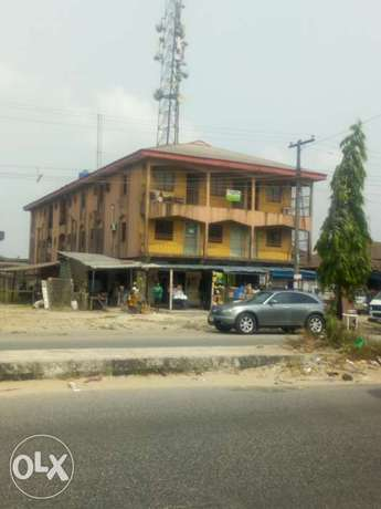 2 storey building for sale Uvwie - image 1