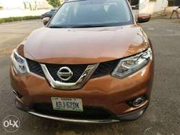 Almost new Nissan Extrail