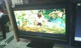 Toshiba 19inchis wall tv with inbuilt DVD working perfect