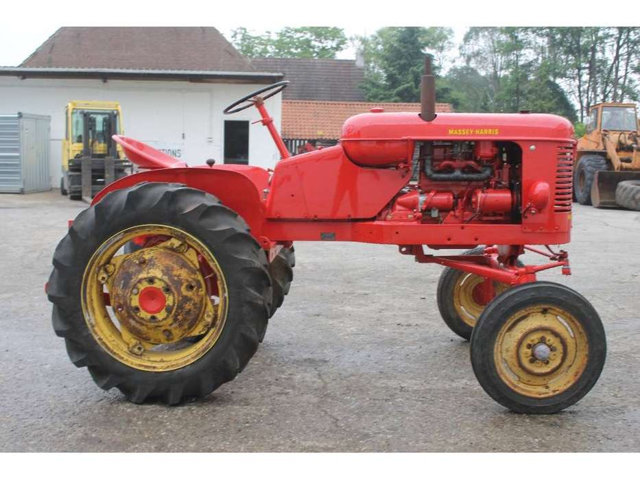Massey Harris  Pony Benzine Tractor - 1955 - image 6